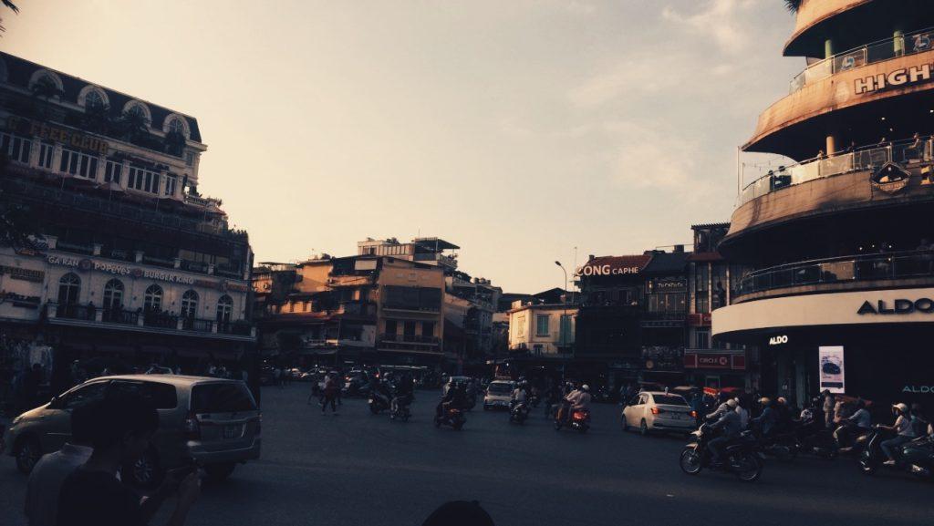 Eat or drink in the Old Quarter Circle at night (Quảng trường Đông Kinh Nghĩa Thục), Hanoi, Vietnam