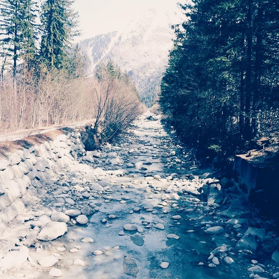 Walk to La Praz along the river | Chamonix