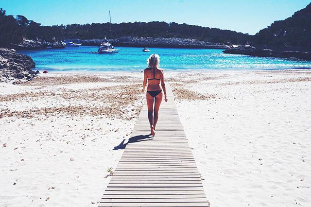 My Favourite Mallorca Beaches | Girl Going Global | Cala Mondrago