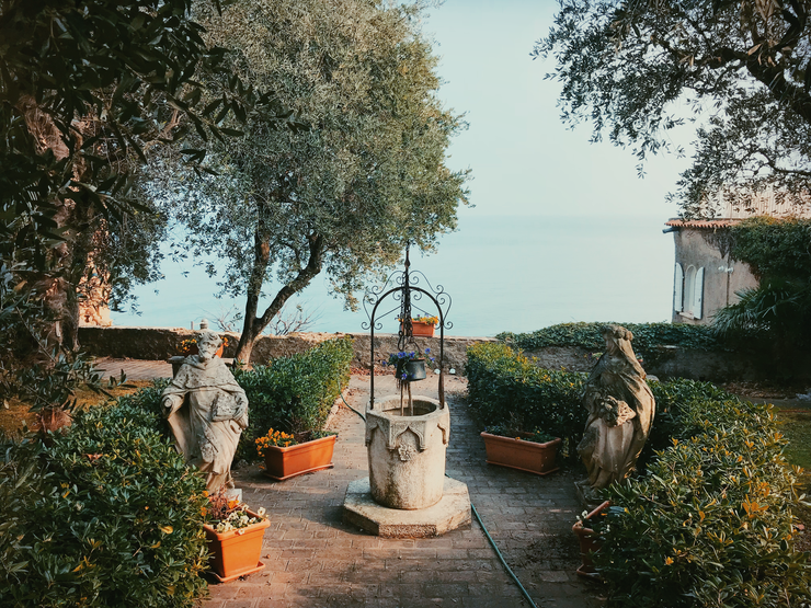 Visit Sirmione in Lake Garda | Girl Going Global