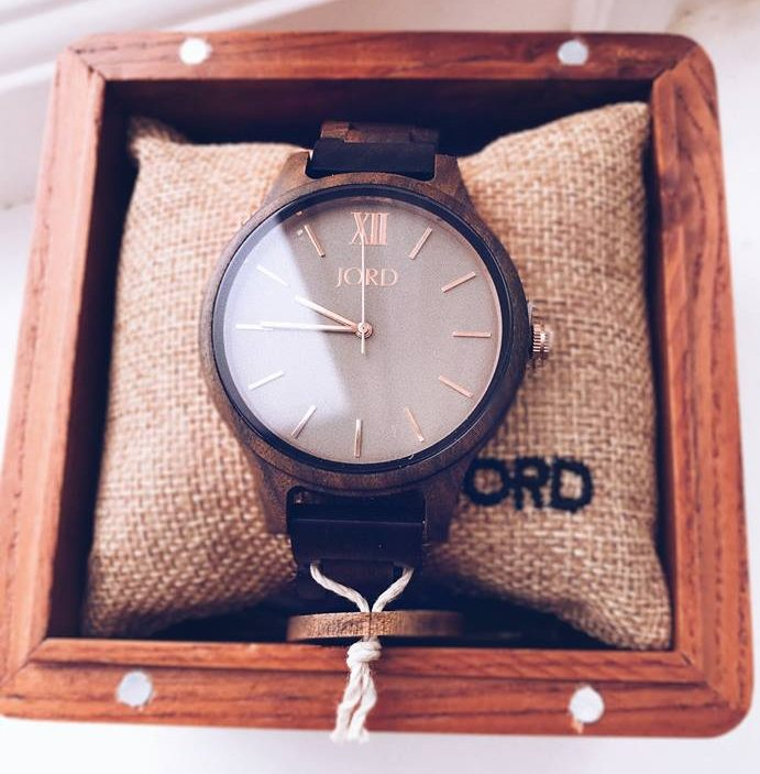 Where nature meets fashion (Why I love wearing a wooden watch)... | Girl Going Global
